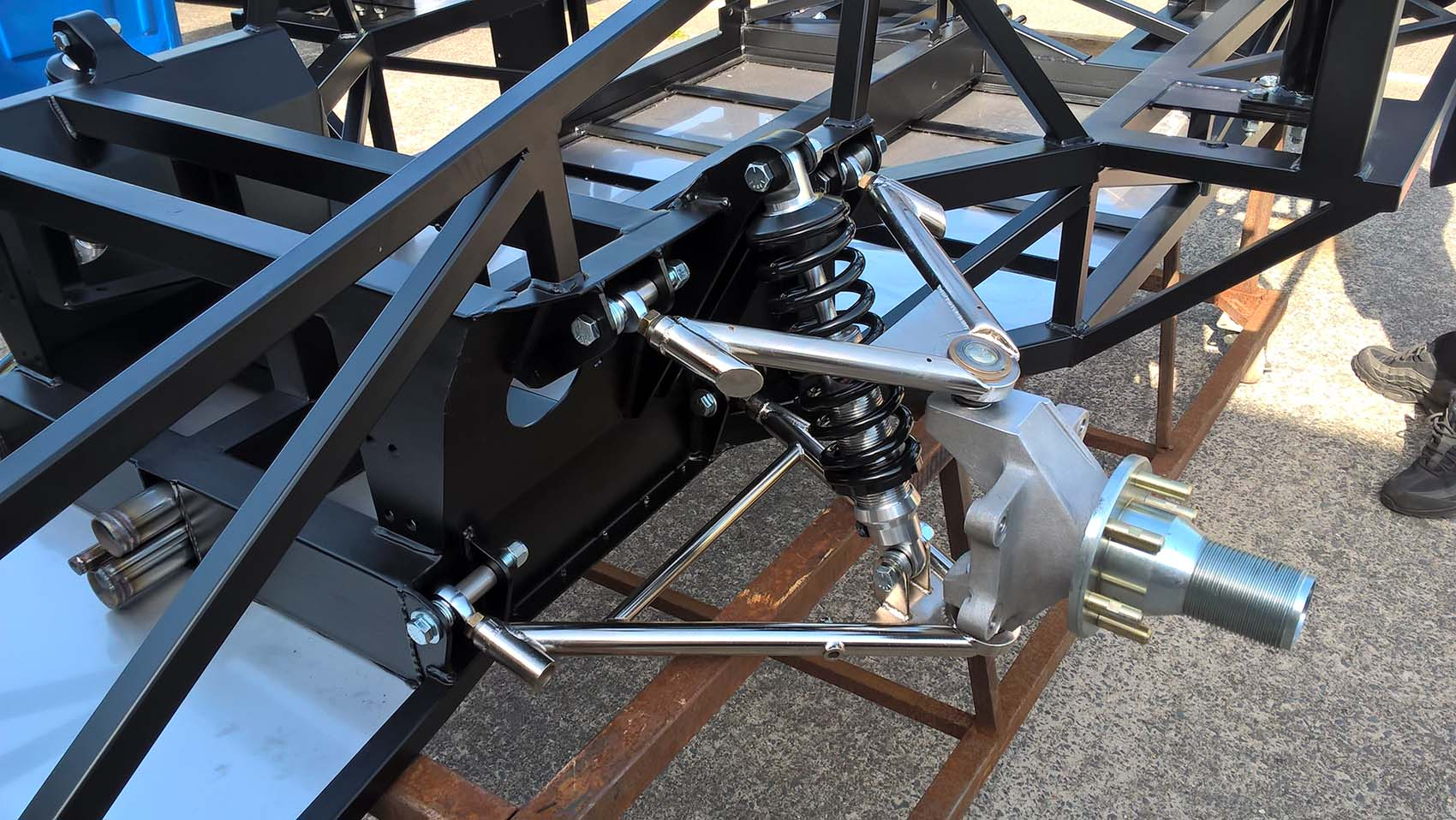 GTR front suspension CDS2 Tube tig welded and nickel plated rod ended adjustable suspension arms.